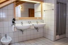 """HAUSER HOF - Suite """"Josef"""", Bad / Waschbereich und Dusche"""